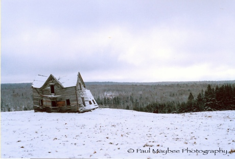 Nutby House in Snow - Paul Maybee